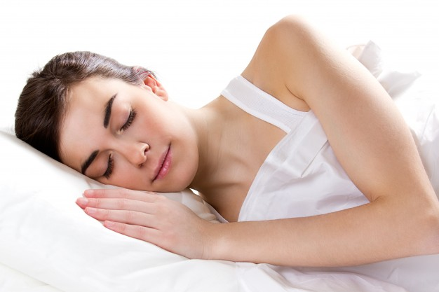 cinco beneficios de dormir bien